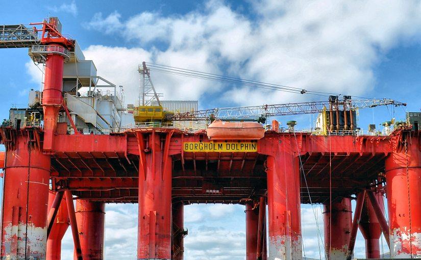 翻譯新聞─原油價格崩盤加深,油價跌至13個月以來新低